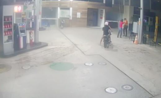 Dupla armada rende frentista e assalta posto de combustível em Parnaíba